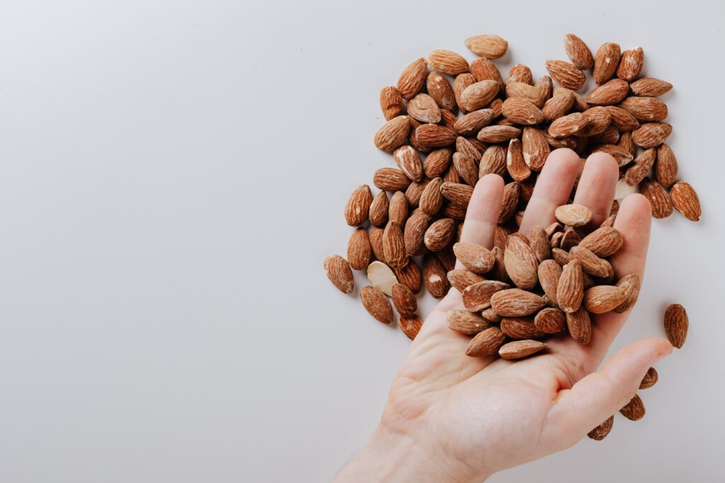 Do almonds help you lose belly fat