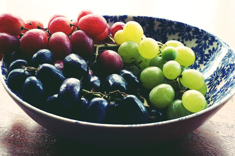 How Many Calories In Red, Green, And Black Grapes