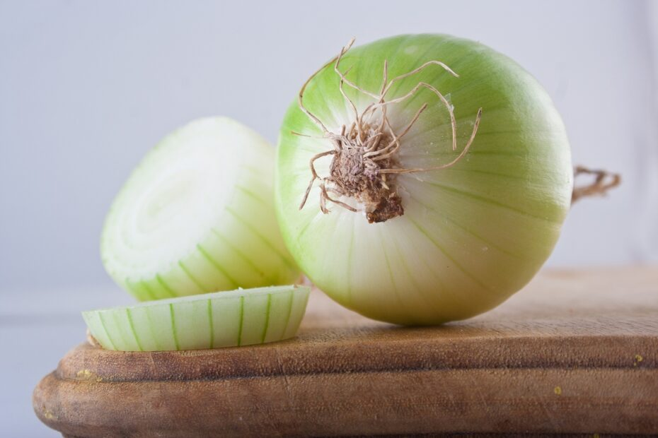Are Onions Keto-Friendly (& Substitutes)