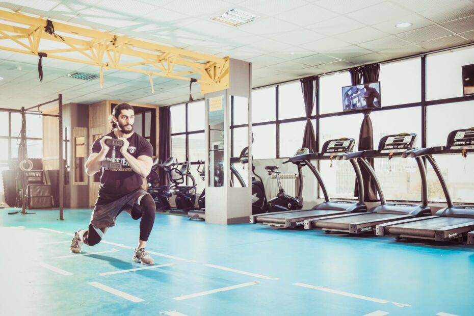 10 Impressive Benefits Of Weighted Lunges