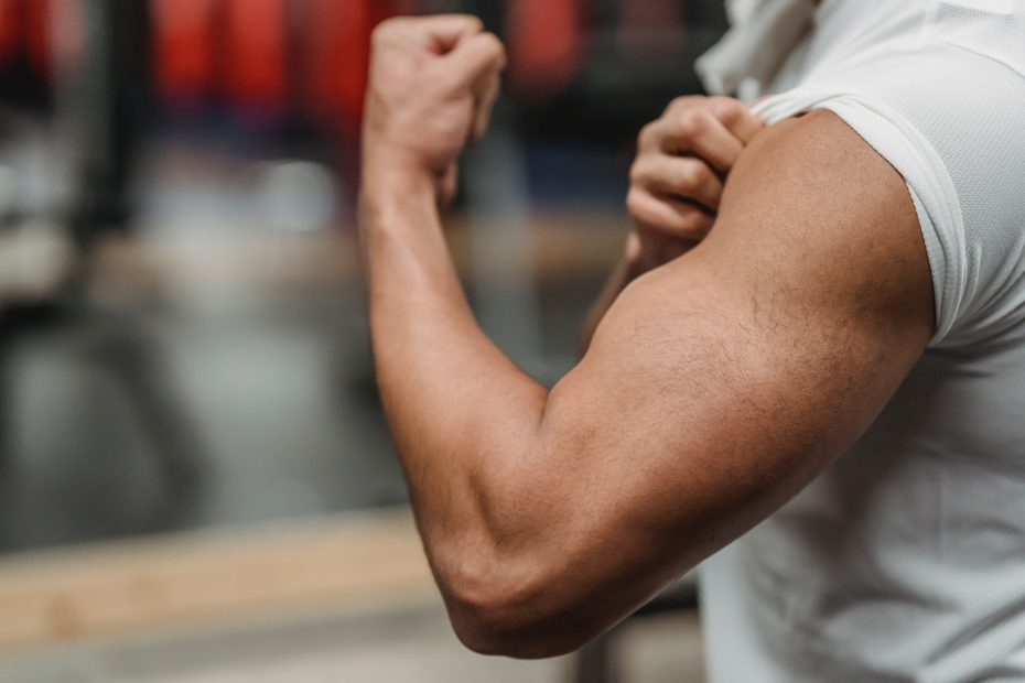 10 Bicep Exercises You Can Do At Home