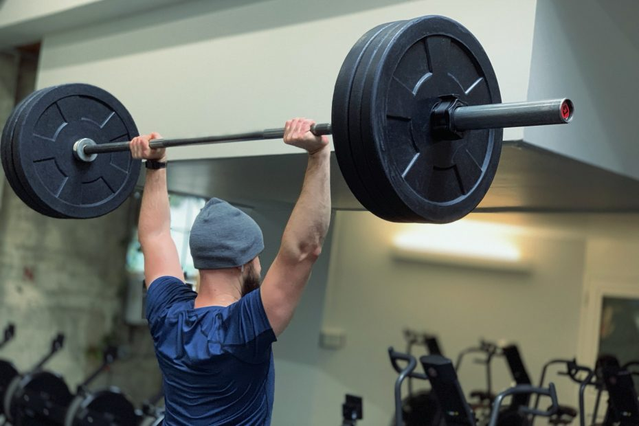 10 Effective Arm Exercises With A Barbell
