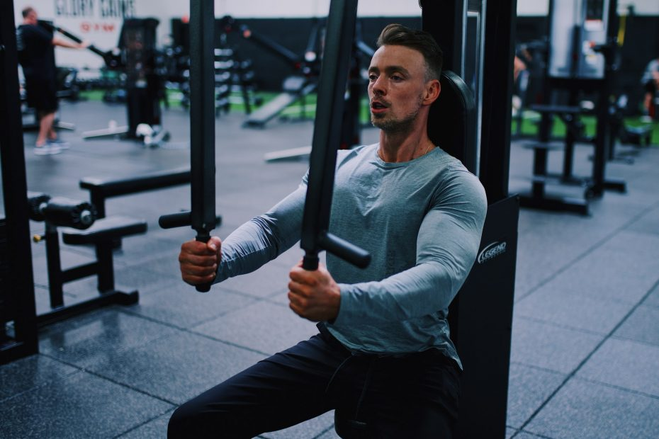6 Gym Machines For Bigger Chest Muscles