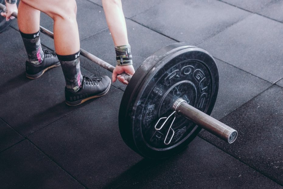 Weighted Calf Raises Benefits, Risks, Variations,...