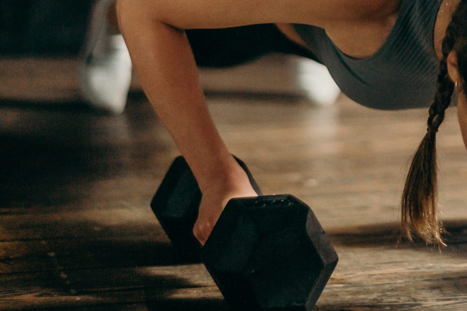 4 Dumbbell Pushups And Their Benefits