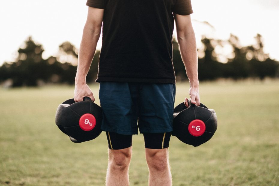 5 Upper Chest Exercises With Dumbbells