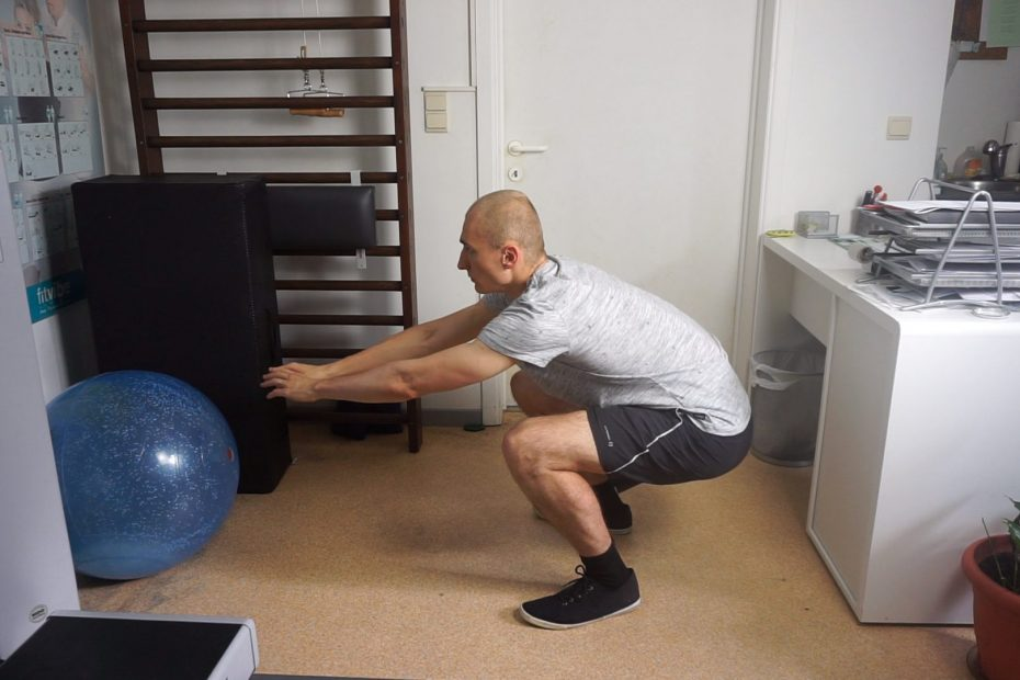 Bodyweight Squats How To, Benefits, Alternatives,...