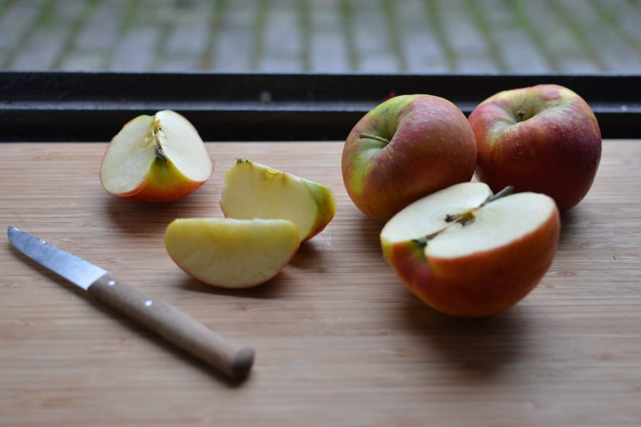 Are Apples Keto-Friendly (& Substitutes)