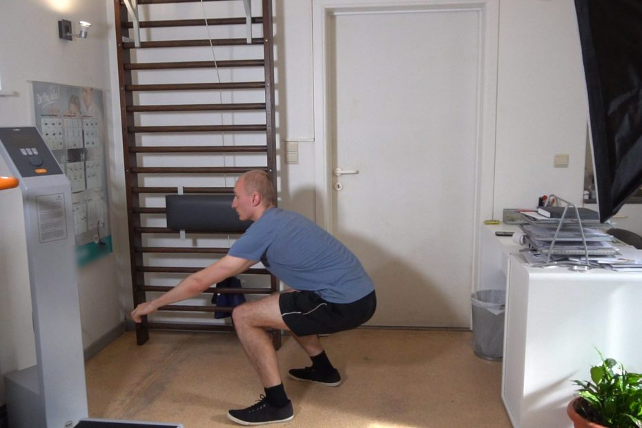 Squat Walks How To Do, Downsides,...